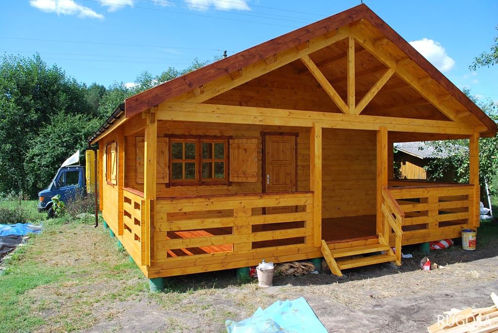 Vasarnamis 700x410 cm, dvišlaitis, vieno aukšto, du kambariai, veranda 250 cm pločio, sienos storis 60 mm