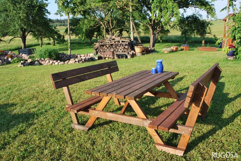 LB02 Piknik MOD stalas su atrama 170x215x h 73cm, stalviršis 42 mm, su atlenkiamais suoliukais, impregnuotas. Kaina nuo 163 Eur