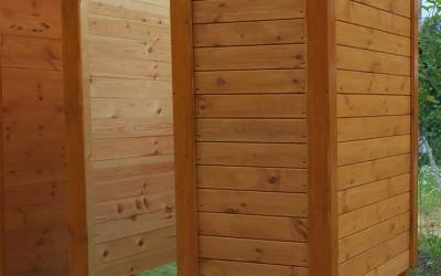 LT04 Lauko tualetas su persirengimo kabina, 100x150cm ir kabina 160x160cm , siena 28mm, kabina skydinė 19mm, nedažytas. Kaina 1299 Eur