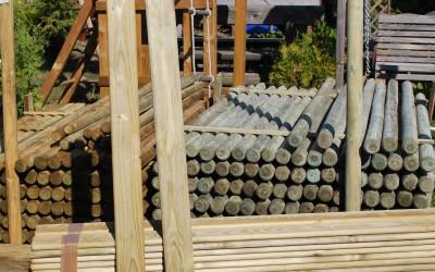 Statiniai ir kuolai medinėms tvoroms