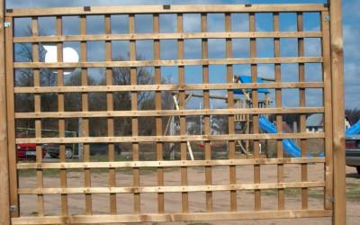 Pergolė Silvija su Digo tvoros mediniu  skydu 120x180 cm