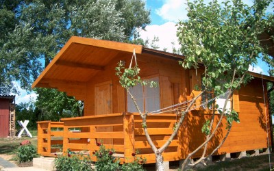 Vasarnamis 300x300 cm + 150 cm pločio veranda, dvišlaitis, sienos storis -44 mm