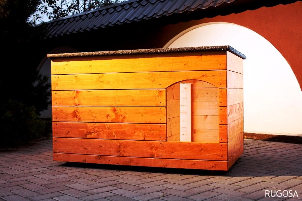 SB02 Šuns būda su prieangiu, šiltinta, plokščiu stogu,150x80x80cm. Kaina nuo 289 Eur