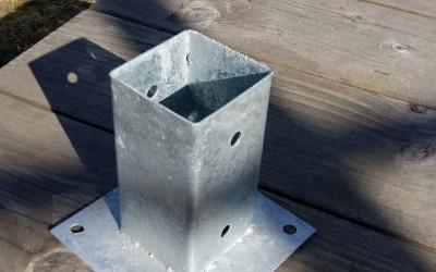 Metalinis stulpo laikiklis 71x71x150mm