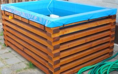 karkasas gaminamas iš obliuotų ir impregnuotų spygliuočių medienos tašų, o pats indėklas – iš storos ir elastingos automobilinių tentų medžiagos, su galimybe lengvai pakeiti vandenį